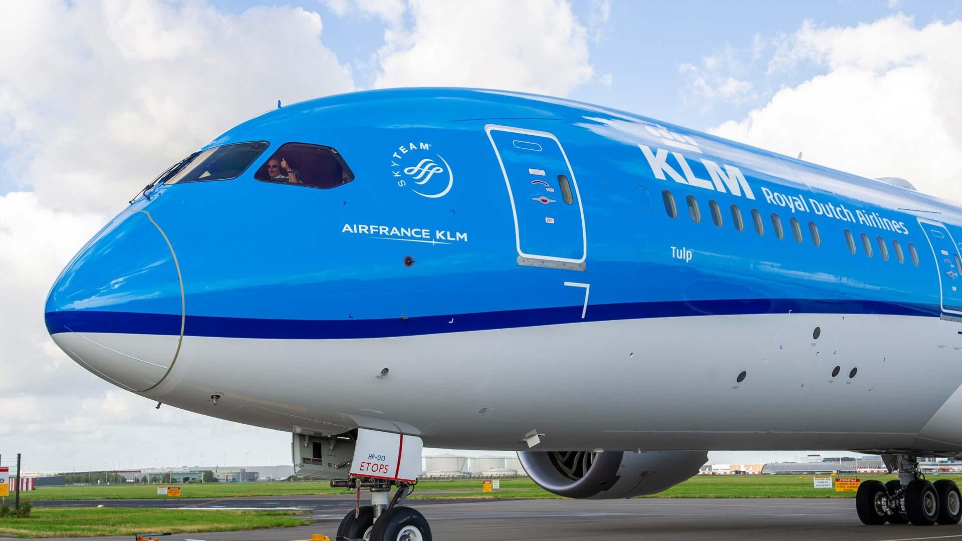 Aerolinea KLM imprime en 3D con botellas de plástico reciclado